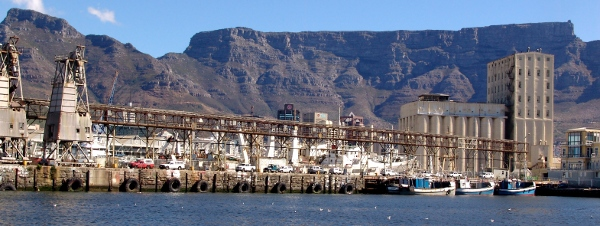 old cranes in Cape Town harbour